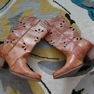 Shoes - NWOT dingo Cowboy boots